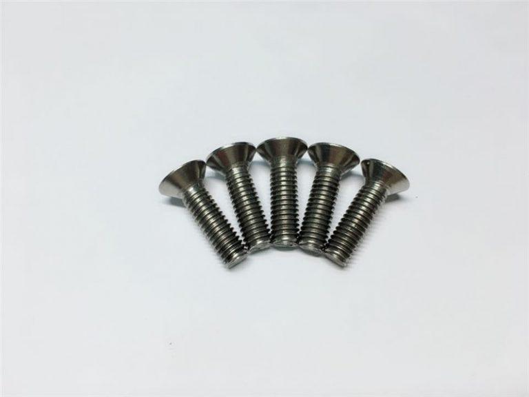 M3, M6 տիտան պտուտակավոր տանիքի վարդակի գլխարկի կափարիչով Titanium եզրային պտուտակներ ողնաշարի վիրահատության համար